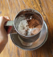 Sift flour+sugar+cocoa in a bowl